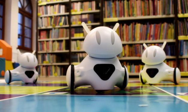 Roboty zdobywają bibliotekę!